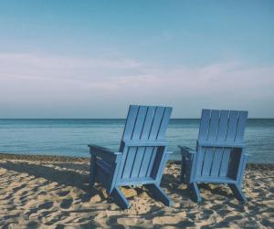 2017-04-15 20_17_05-Free stock photo of beach, beach chairs, chairs