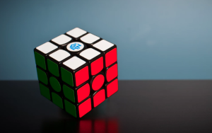 2019-03-11 08_23_28-Rubik's cube photo by Olav Ahrens Røtne (@olav_ahrens) on Unsplash