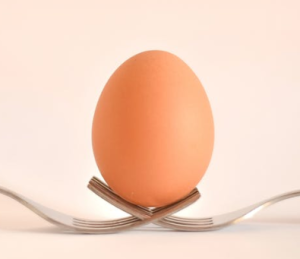 2020-01-29 09_05_22-Egg on Gray Stainless Steel Forks · Free Stock Photo