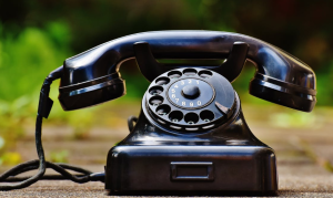 2020-03-23 21_26_35-Selective Focus Photography of Black Rotary Phone · Free Stock Photo