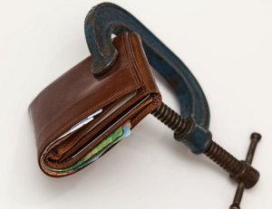 2017-05-21 19_19_35-Brown Leather Wallet Using Blue Steel Clap · Free Stock Photo