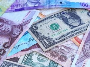 2017-06-04 06_43_35-One U.s. Dollar Beside 100 Philippine Pesos · Free Stock Photo