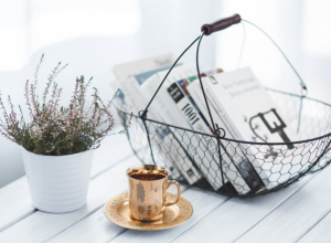 2017-11-12 08_09_47-Golden cup and basket with books · Free Stock Photo