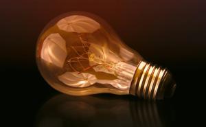 2018-04-21 19_45_26-Reflection, light bulb, lightbulb and light HD photo by Johannes Plenio (@jpleni